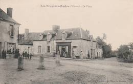 CPA:LES BRUYÈRES-RADON (58) LA PLACE ANIMÉE...ÉCRITE - Francia