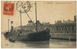 """Bateau """" Rossbank """" à Dieppe Chargeur ELD - Barche"""