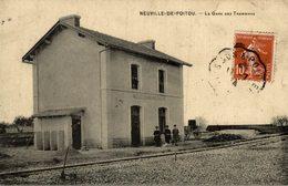 CPA RARE NEUVILLE DE POITOU LA GARE DES TRAMWAYS - Neuville En Poitou