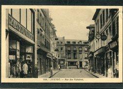 CPA - YVETOT - Rue Des Victoires - Palais Du Vêtement, Animé - Yvetot