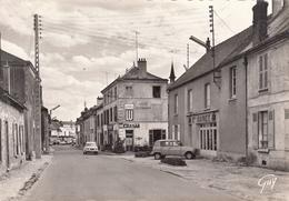 91- ANGERVILLE - La Route De Dourdon Avec Voitures Renauld 4L.... - Joli Cliché - Angerville