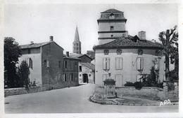 82 - CAUSSADE - CPSM - Place Léon De Maleville - Caussade