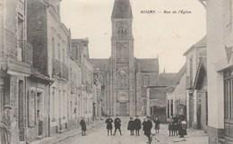 CPA 44 NOZAY RUE DE L'EGLISE ANIMEE - France