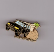 Pin's Voiture / Toyota 4*4 De L'année 1991 (version Noire Signé Arthus Bertrand) - Toyota