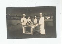 VILLERS SUR MER (CALVADOS) ? CARTE PHOTO AVEC CUISINIERS 1911 - Villers Sur Mer