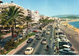 Nice.. Très Animée La Promenade Des Anglais La Plage Voitures Citroen DS ID - Cartas Panorámicas