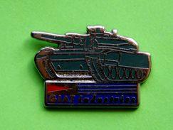 D 45  ) .... GIAT..INDUSTRIES...armée..tank....signé C.E.F PARIS - Pins