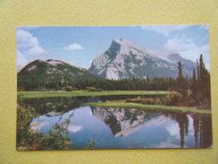 Le Lac Vermilion Et Le Mont Rundle. - Banff