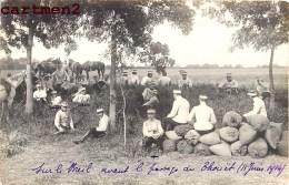 CARTE PHOTO : REGIMENT DE CAVALERIE SUR LE BREIL AVANT LE PASSAGE DU THOUËT 14 JUIN 1914 CAVALIER GUERRE MILITAIRE 49 - France