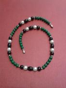 Collier Ancien Avec Balles Vert/noir/perles - Longueur- 20cm - Necklaces/Chains