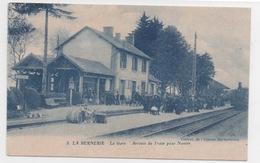 44  LOIRE ATLANTIQUE - LA BERNERIE La Gare, Arrivée Du Train Pour Nantes (voir Descriptif) - La Bernerie-en-Retz