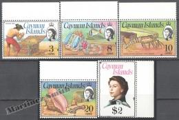 Cayman Islands 1974- 75 Yvert 385-89, Treasure Chest - MNH - Iles Caïmans