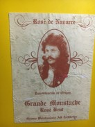 3916 - Rosé De Navarre Grande Moustache Rosé Brut étiquette Collée Sur Support Papier état Moyen - Snorren