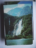 New Zealand Bowen Falls Milford - Nieuw-Zeeland