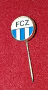 FC ZÜRICH SWITZERLAND, ZURIGO SUISSE, ORIGINAL VINTAGE ENAMEL PIN BADGE - Fútbol