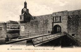CONCARNEAU -29- LE BEFFROI ET ENTREE DE LA VILLE CLOSE - Concarneau