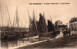 CONCARNEAU -29- LE BASSIN A MAREE HAUTE - LE QUAI PENEROFF - Concarneau