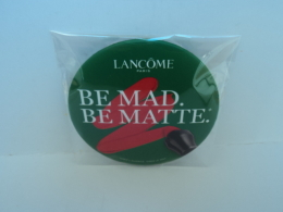 """LANCOME """" BE MAD .BE MATTE"""" MIROIR  ENCORE PROTEGE    LIRE ET VOIR ! - Miniatures Femmes (avec Boite)"""