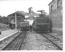 PHOTO D'ARCHIVES : NICE-DIGNE 1980 - XR BILLARD MODERNISE ET SY 05 A DIGNE  ( TRAIN ) - Digne