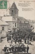 15 Thiézac 1908-10 TB  Sortie De Messe Très Animée Bon Plan éditeur MTIL 586 Dos Scanné - France