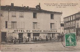 55 Varennes En Argonne 1907 Hôtel Du Grand Monarque Très Animée éditeur Chinoux Varennes Dos Scanné - France