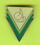 Pin /Broche Cyclisme Vélo - 7O28 - Radsport