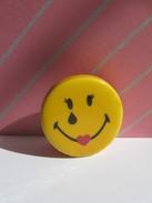 Fève Smiley Sourire Coeur ¤ Série Smiley World ¤  Fèves ¤ Rare / T4 - Charms