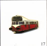 """Pin's Transport - SNCF / Autorail Renault ABJ 3 (X 3200 """"Bigoudène"""") De 1935 - Version Rouge. EGF. T513-17 - Transportes"""
