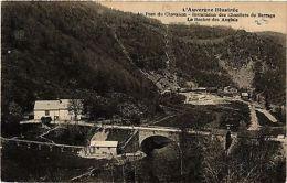 CPA Au Pont Du Chavanon. Installation Des Chantiers Du Barrage (407685) - Unclassified