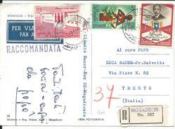 SOM005 - SOMALIA - CARTOLINA RACCOMANDATA PER VIA AEREA DA MOGADISCIO A TRENTO -  VIAGGIATA 1964 - Somalia (1960-...)