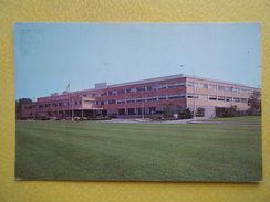 GROTON. Les Laboratoires De Recherche Médicale Chas. Pfizer And Co. - Etats-Unis