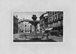 D1304 - BOURGOIN - 38 - La Place D'Armes - Bourgoin