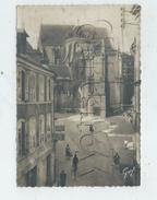 Vannes (56)  : L'abside De La Cathédrale Vue Du Magasin De Vêtement Homme Dames  En 1950 (animé)  GF. - Vannes