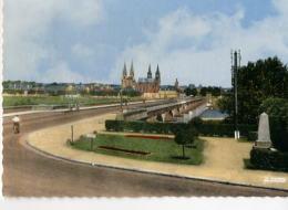 CP03290 - MOULINS - Le Pont Régemortes - Vue De La Madeleine - Moulins