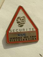 PIN´S SECURITE - GENERALE DES EAUX DISTRIBUTION - Pin