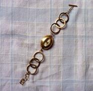 Montre FEMME MANGO Bracelet Cercle Doré Originale Et Très Chic ETAT NEUF - Montres Modernes