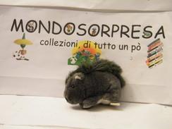 MONDOSORPRESA, PUPAZZI PELUCHE MOTTA CERCAFFETTO, (SC62-31),  ISTRICE - Maxi (Kinder-)