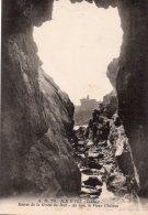 Ile D'Yeu : Entrée De La Grotte Du Dail, Au Loin, Le Vieux Château - Ile D'Yeu