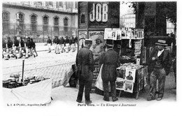 PARIS Vécu N° 57 - Un Kiosque à Journaux - Très Beau Plan Animé - Petits Métiers à Paris