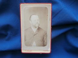 Photo CDV  Paul Marie De Paris  Portrait Homme Portant Moustache, Barbe Et Des Lunettes - Circa 1885 - L299B - Photos