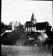 95 - Val D'Oise - Plaque Photo Verre Lanterne Magique Eglise Et Presbythère De Herblay 1900 - Glass Slides