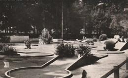 Montrond Les Bains Le Golf Miniature Et Le Parc - Autres Communes