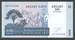 Madagaskar 2004, 100 Ariary - UNC - A8105239B - Madagaskar