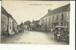 Courceboeufs  72    Le Centre Du Bourg  Tres Tres Animé-Attelage-Voiture-Cafe Et En Face Epicerie - France