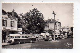 REF 278  : CPSM 95 MONTMORENCY Place De La Gare Beau Plan Autobus - Montmorency