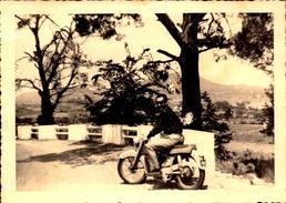 Transport, Moto, Mobylette,  Marque 125 Motobecane   (bon Etat)  Dim; 12 X 8.5. - Photos