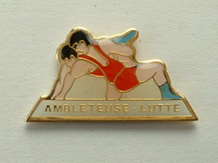 PIN´S LUTTE - AMBLETEUSE - Lutte
