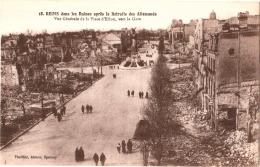 CPA 51 (Marne) Reims - Vue Générale De La Place D'Erlon, Vers La Gare TBE Dans Les Ruines Après La Retraite Des Allemand - Reims