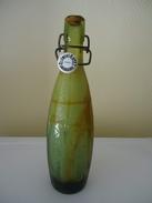 Bouteille Ancienne écriture En Relief  - De 1928 - France - LIMONADE CLEMENT GAYET CARCASSONNE - 47 Cl - Vide - Bouchon - Soda