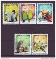 2004.128 CUBA 2004 CUBA ANIMALES DE  COMPAÑIA PERROS GATOS PECES AVES LOROS CAT FELINE DOG PARROT BIRD FISH MNH SET - Cuba